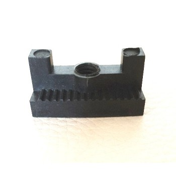 Depth adjustment screw for blade of plunge saw